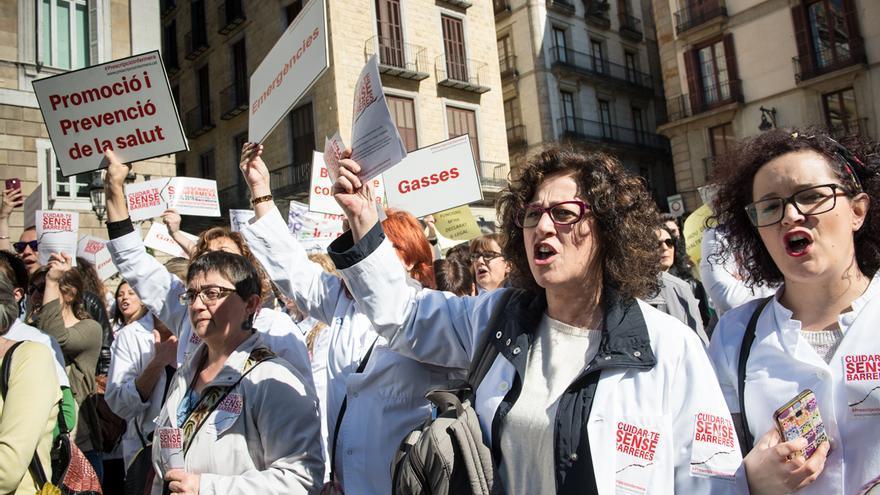 Infermeres es concentren a Barcelona contra el reial decret la primavera passada. / © SANDRA LÁZARO