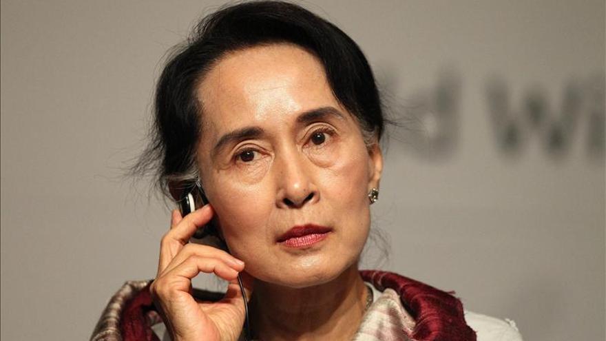 """La opositora Suu Kyi afirma que es tiempo de """"optimismo cauto"""" en Birmania"""