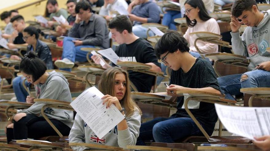 Los rectores universitarios trabajan en un nuevo decreto de disciplina estudiantil que anule el que aprobó Franco