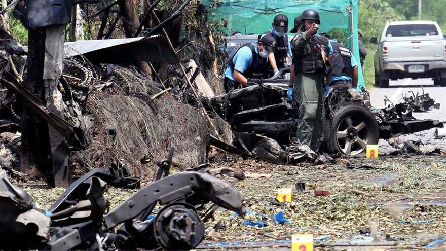 Seis militares muertos al estallar una bomba en el sur de Tailandia
