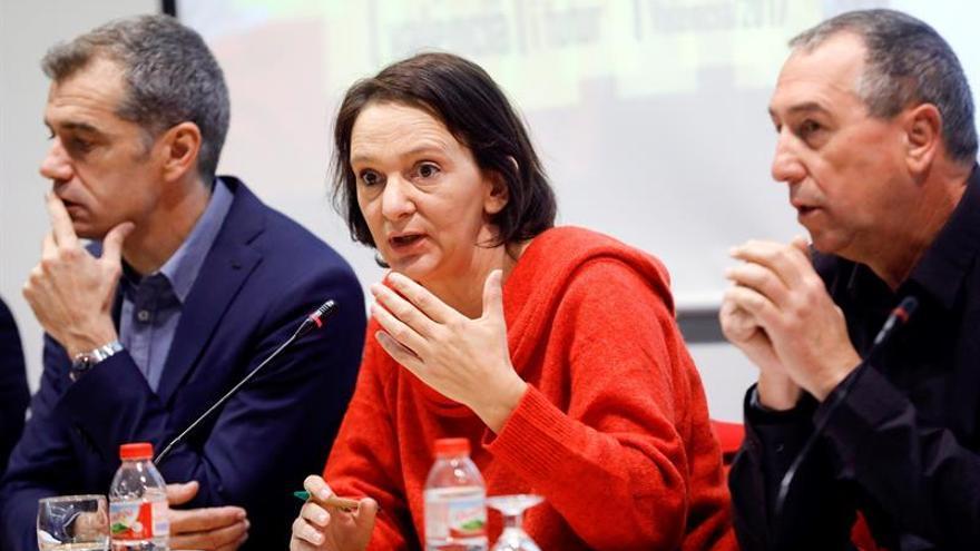 Bescansa pide a Rajoy que convoque a partidos catalanes a una mesa de diálogo
