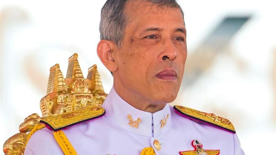 El rey Vajiralongkorn cumple su primer aniversario en el trono de Tailandia