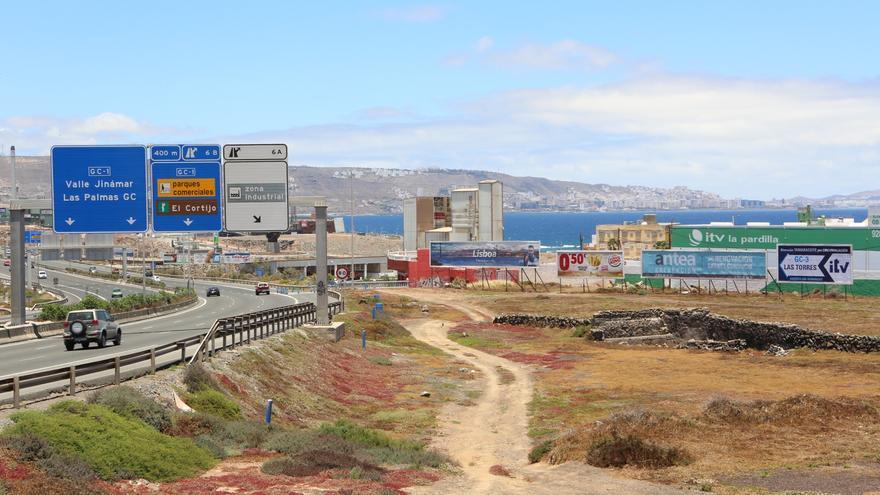 Vallas publicitarias en la GC-1 en el municipio de Telde