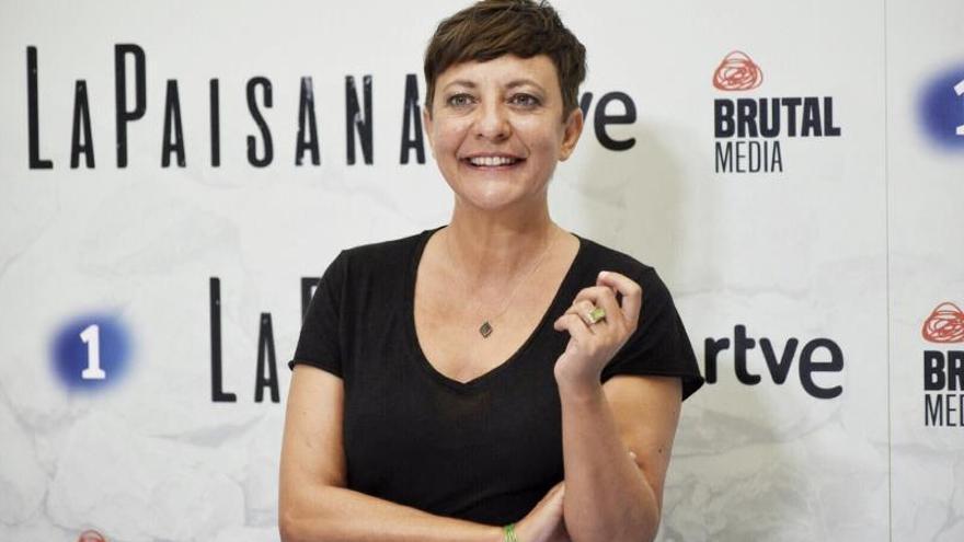 """La humorista Eva Hache durante la presentación de un programa de """"La Paisana""""."""