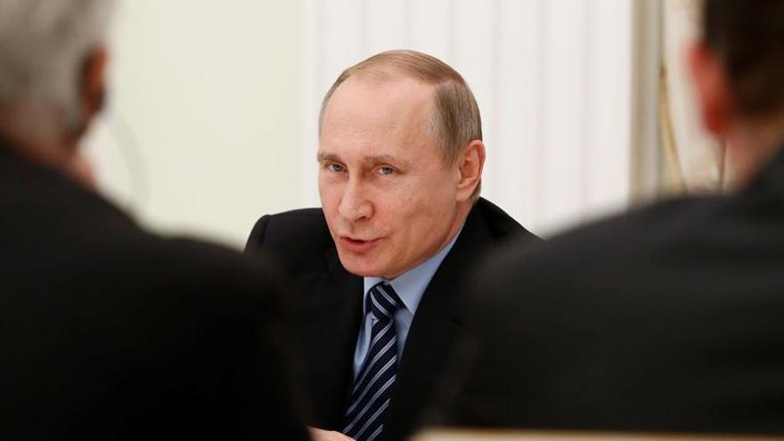 Putin lamenta que sanciones de la UE impidan una relación bilateral beneficiosa