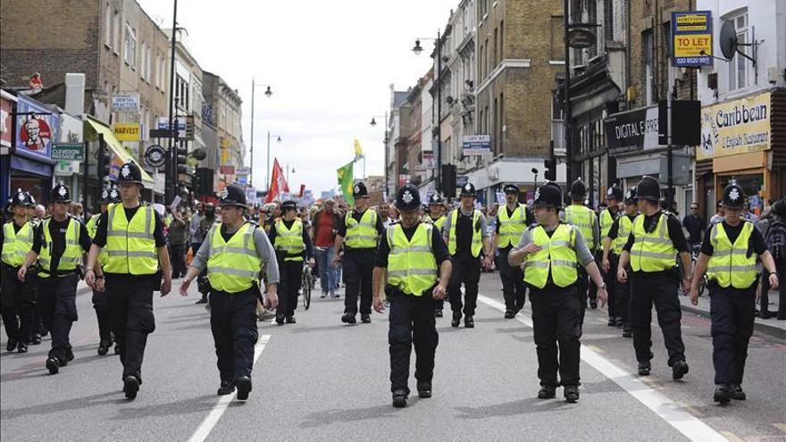 El Gobierno británico presenta una nueva ley contra la radicalización de los jóvenes