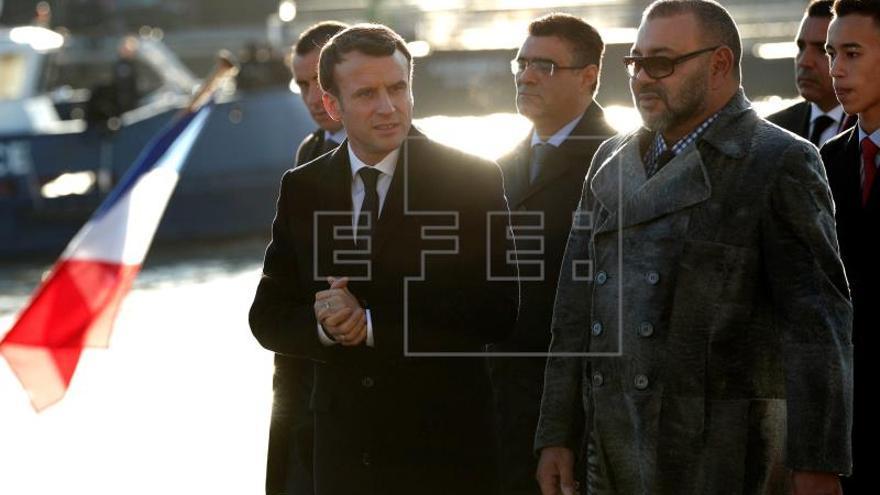 """Mohamed VI """"descansado y contento"""" en París tras su operación cardiaca"""
