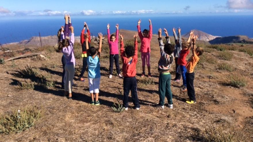 Los alumnos de Caideros realizan ejercicios en la naturaleza