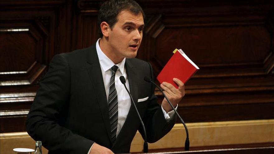 Ciutadans buscará con los partidos catalanes un pacto contra la corrupción