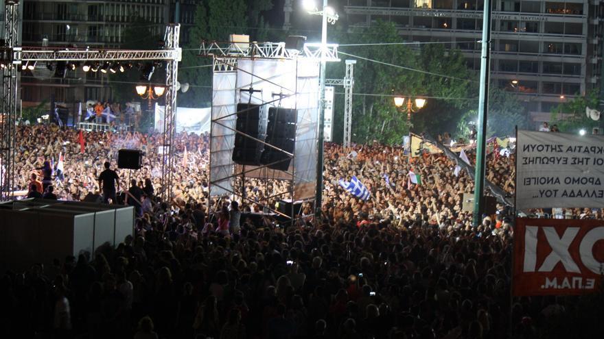 Asistentes al acto central en Syntagma a favor del 'no'. / Andrés Gil
