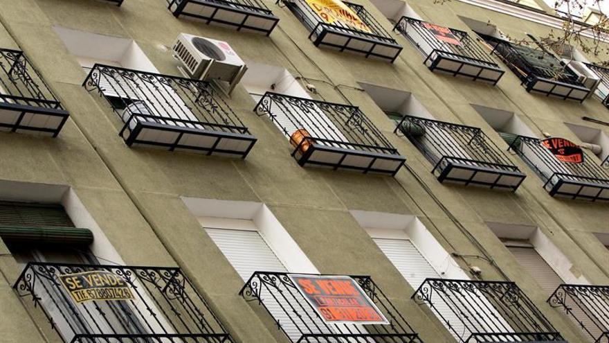 La banca pagará los gastos notariales de hipotecas y el cliente la tasación