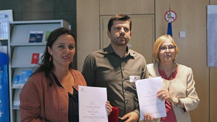 """Las víctimas exigen dimisiones tras el """"demoledor"""" informe de la UE sobre Angrois"""