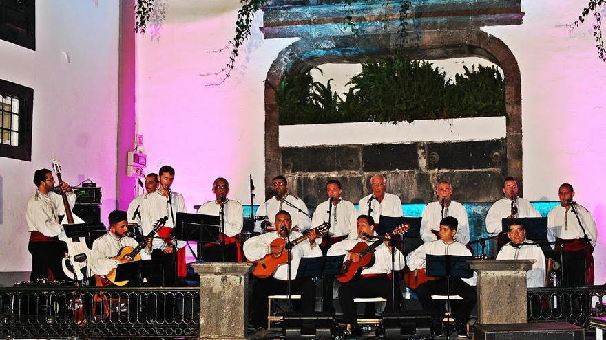 Agrupación musical Los Viejos de Santa Cruz de La Palma.