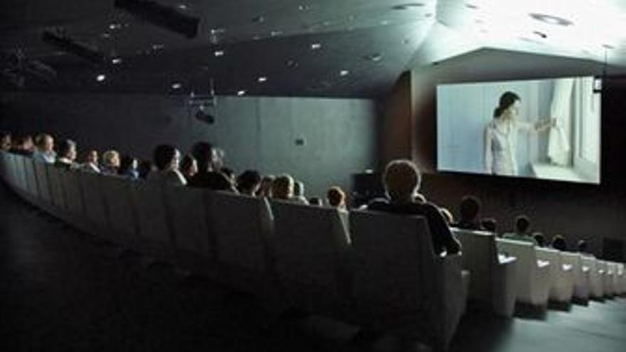 Sala de cine espectadores público entradas