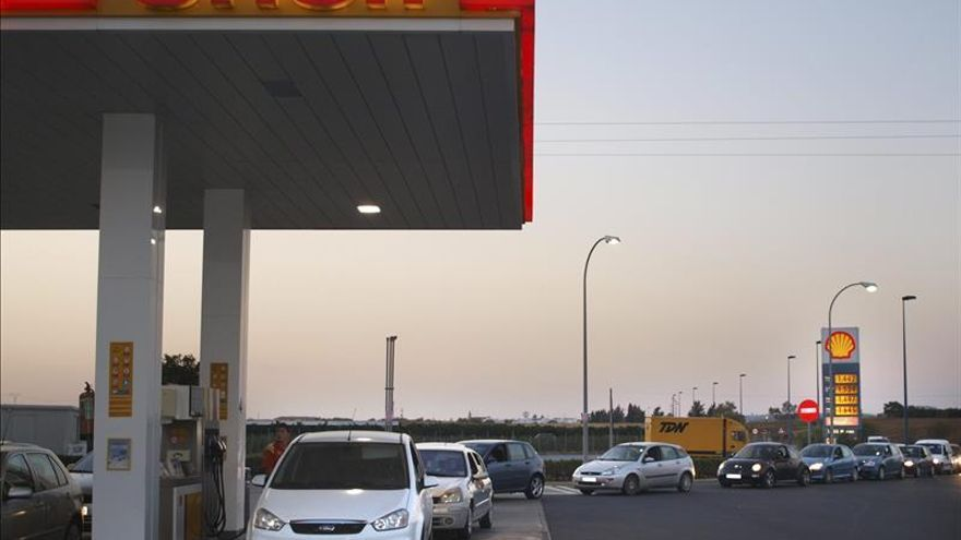 Los carburantes siguen al alza y son un 6 por ciento más caros que a principios de año