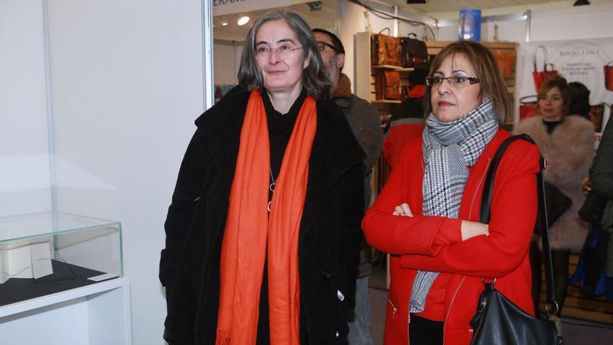 Asela Ortiz de Murua y Arantxa Abecia, en un acto público