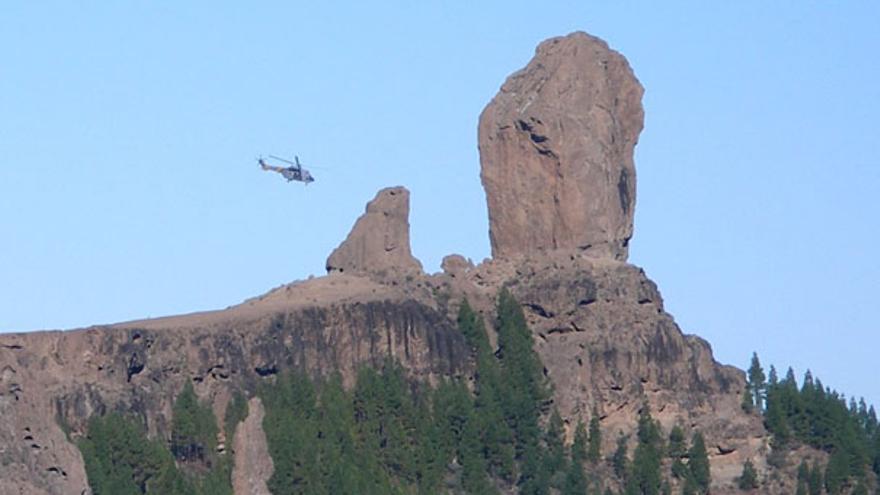 De un helicóptero posándose en el Tablón del Nublo #3