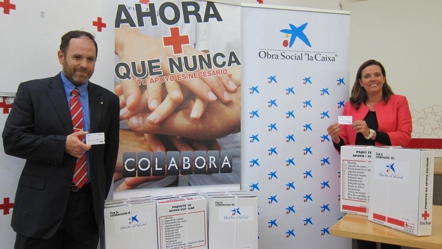 Cruz Roja Navarra y 'La Caixa' distribuirán 2.000 kits escolares y 1.500 tarjetas pre-pago para material escolar