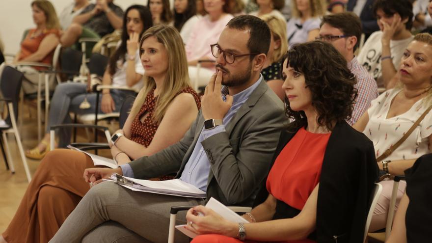 María Galván, Jordi Pérez y Gloria Poyatos.