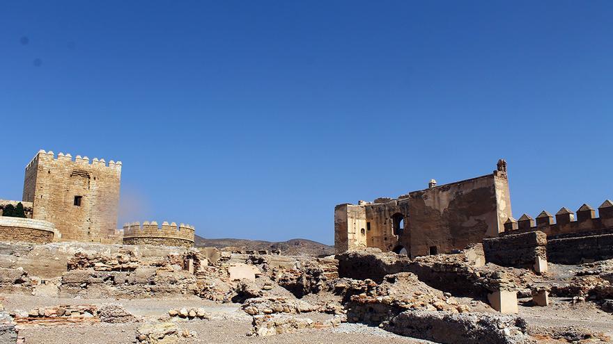 Mirador de la Odalisca y ruinas de la ciudad palaciega de al-Mutasim. / JUAN MIGUEL BAQUERO