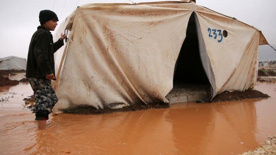 Más de 235.000 desplazados en el noroeste sirio por recientes combates, dice la ONU