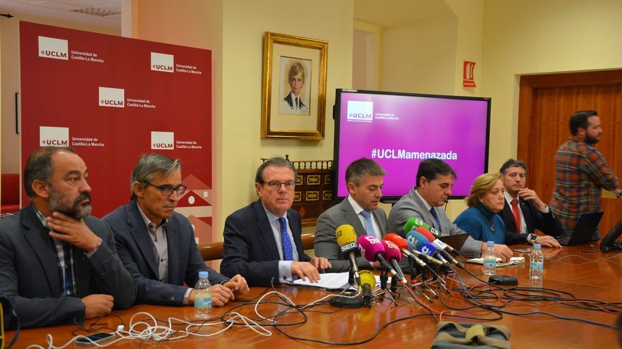 Comparecencia en rueda de prensa del rector de la UCLM, Miguel Ángel Collado