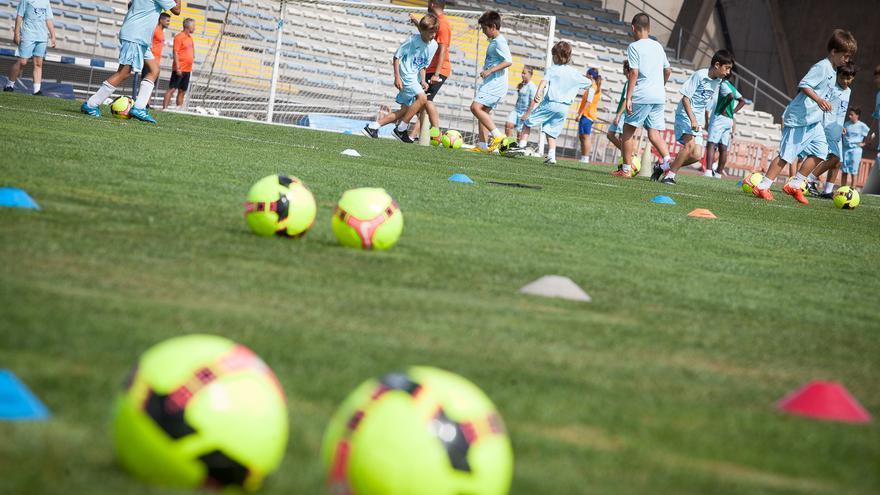 El Cabildo de Tenerife destinará más de 800.00 euros para el desarrollo de las competiciones de base en las que participan más de 20.000 jóvenes menores de 18 años, entre otras.