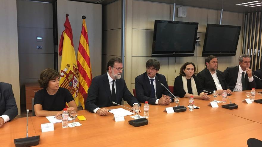 Rajoy regresa a Madrid tras encabezar el gabinete de crisis en Barcelona