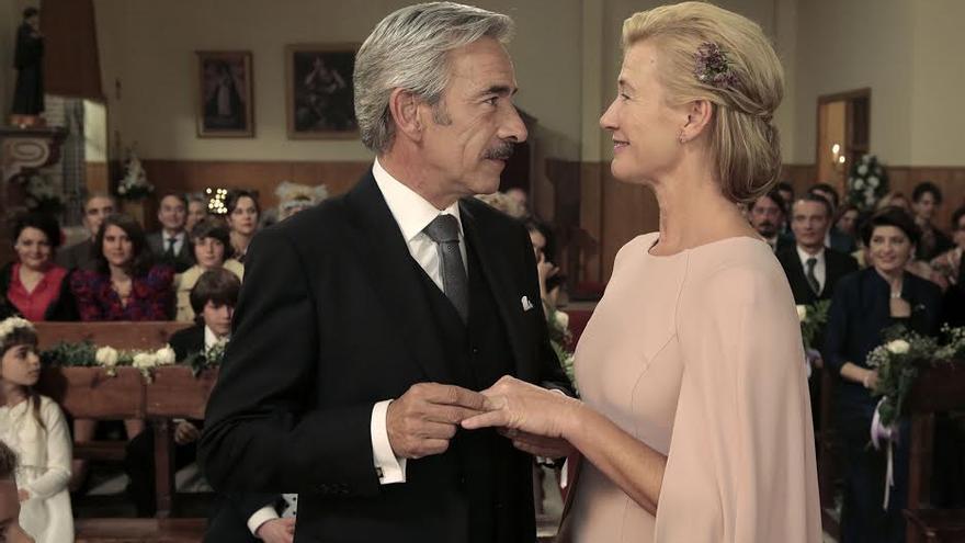 Imanol Arias y Ana Duato se casan en el último capítulo de la 17 temporada en TVE