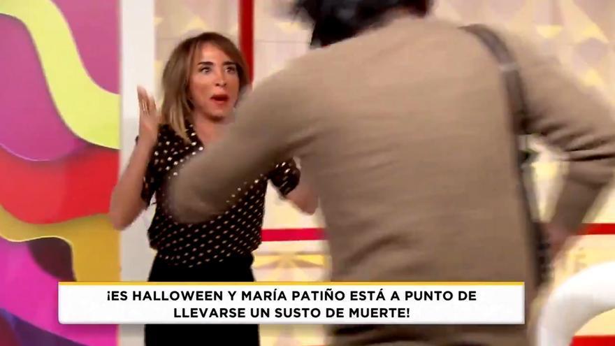 Tremendo susto de María Patiño en 'Socialité' al irrumpir un 'espontáneo' con una jeringuilla