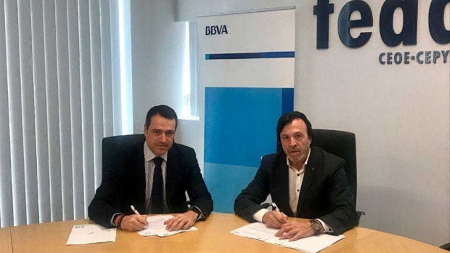 Firma del acuerdo entre BBVA y FEDA