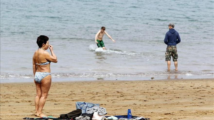 Canarias bate en marzo su récord de turistas foráneos tras 6 meses en máximos