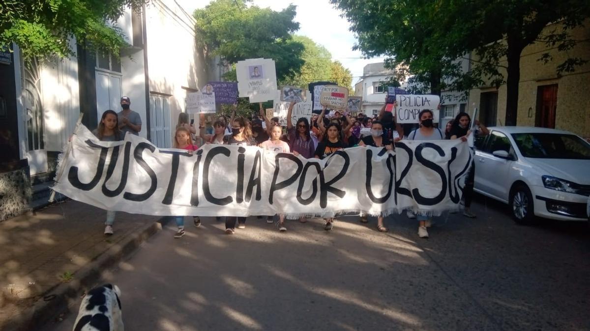 Marcha en Rojas pidiendo justicia por Úrsula