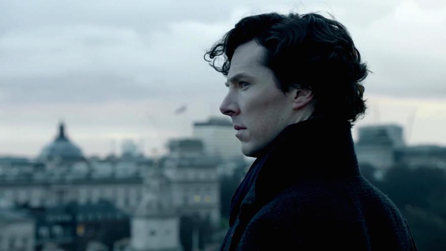 Benedict Cumberbatch es Sherlock Holmes en la popular serie de BBC