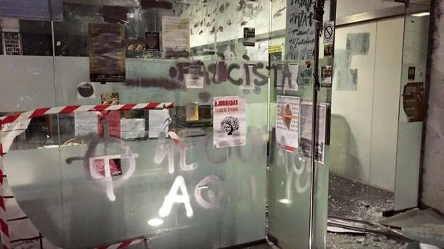Destrozos en Ca L'Estudiantat. / @antifeixistesPV