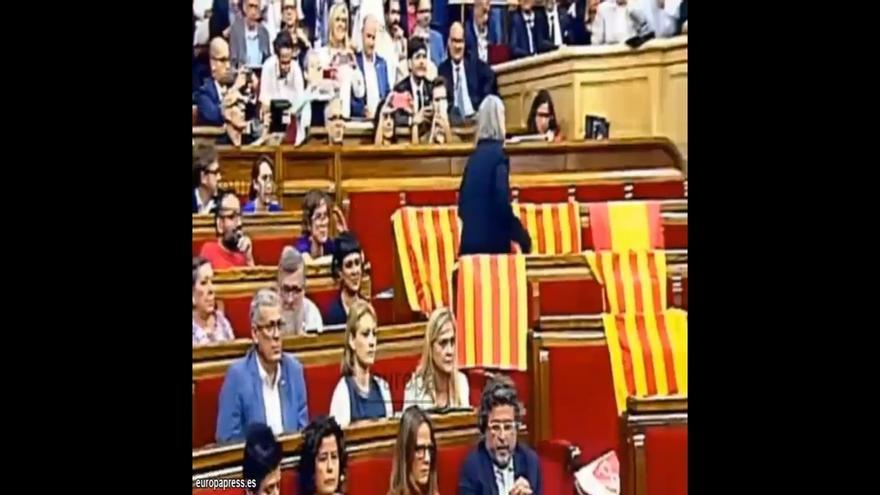 El PP pide a Forcadell que recupere las banderas españolas que retiró una diputada
