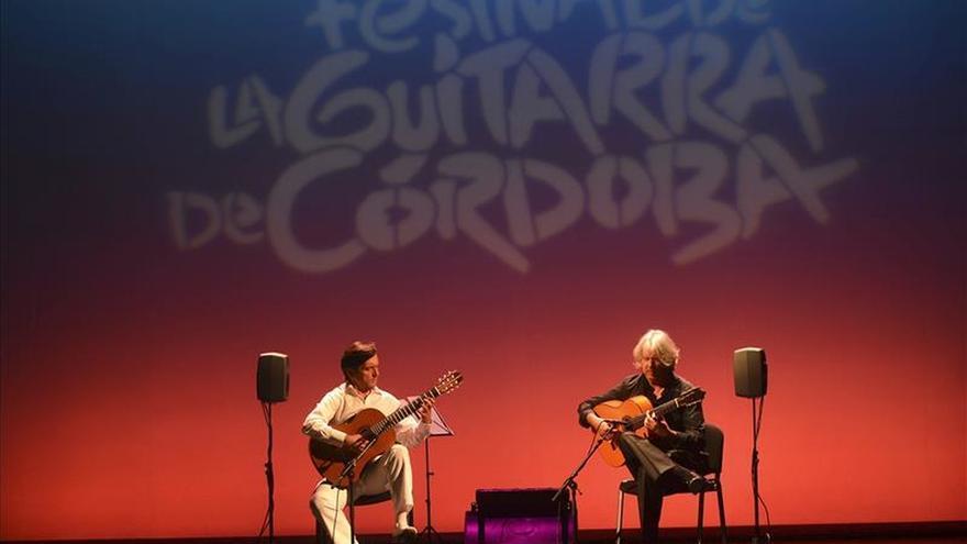 José María Gallardo y Miguel Ángel Cortés dialogan con sus guitarras