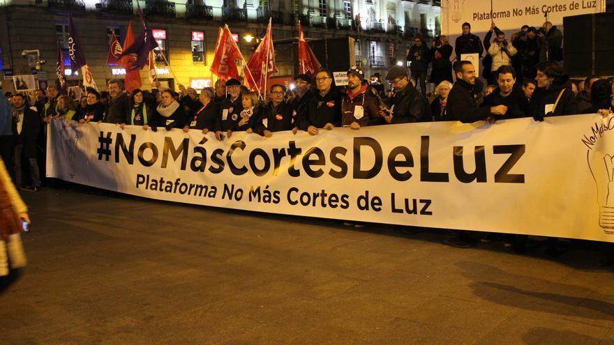 Manifestación #NoMasCortesdeLuz en Madrid