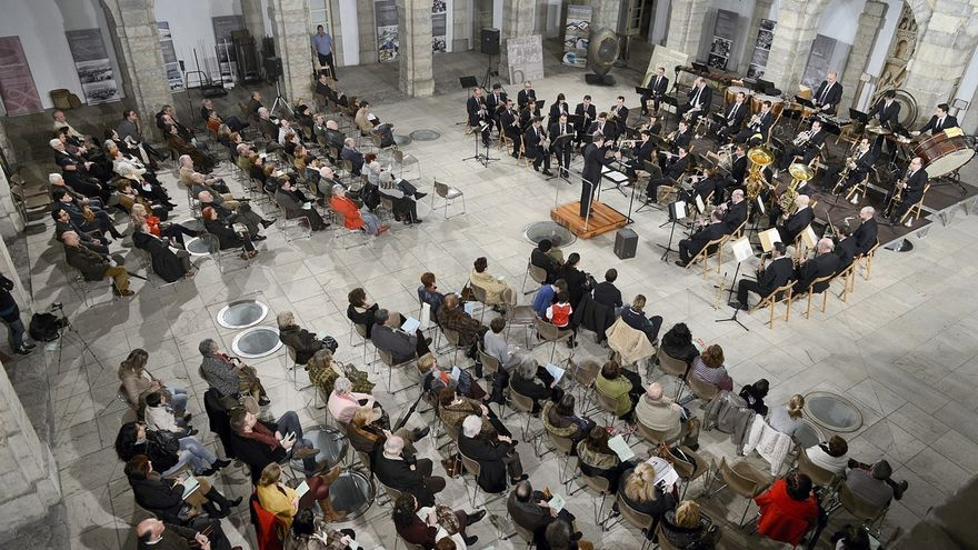 El Parlamento de Cantabria dedica a los creadores cántabros el 38 aniversario de la Constitución Española