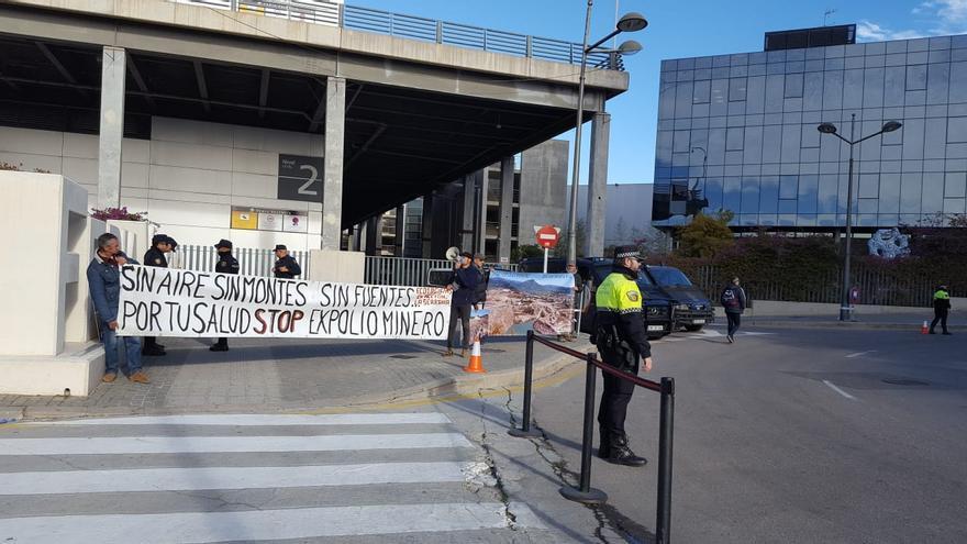 Una protesta por la contaminación en Castellón