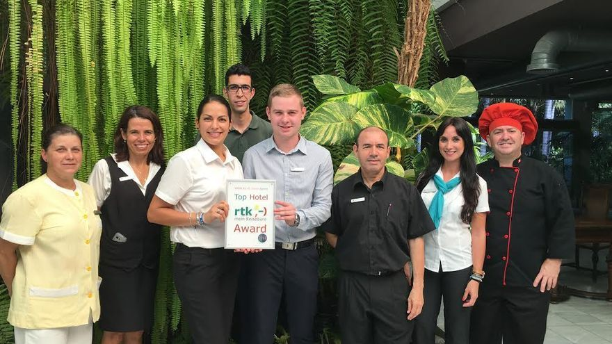 En la imagen, personal de los distintos departamentos del complejo hotelero Hacienda San Jorge.