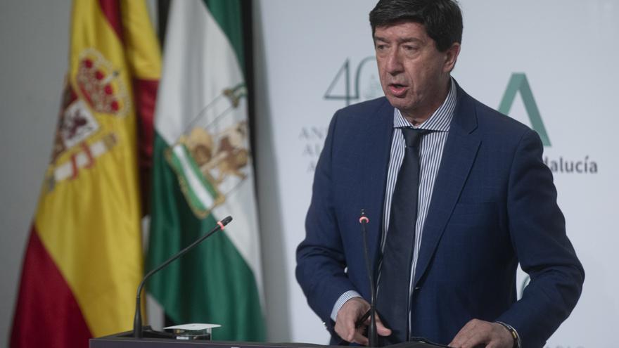 El vicepresidente de la Junta de Andalucía, Juan Marín durante la rueda de prensa tras la reunión semanal del Consejo de Gobierno de la Junta de Andalucía. En Sevilla (Andalucía, España), a 27 de abril de 2021.