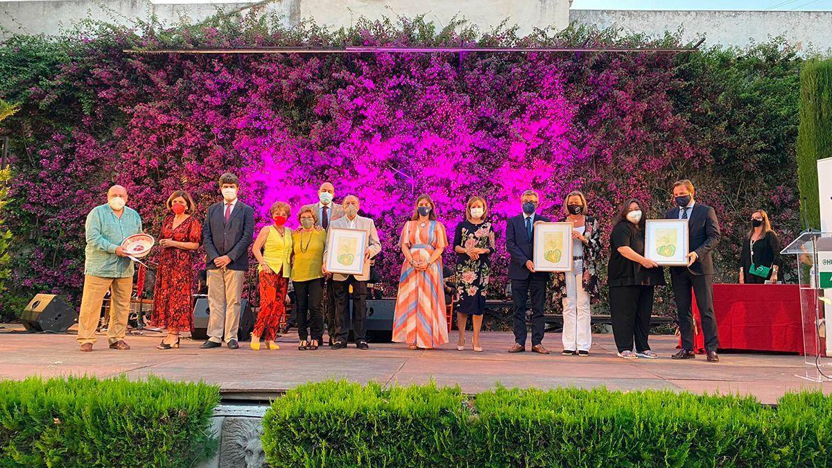 Foto de familia de los premiados, este martes.