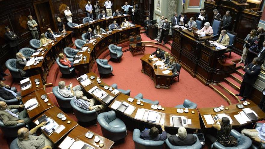 La Cámara de Diputados y el Senado de Uruguay celebran sesiones para su conformación