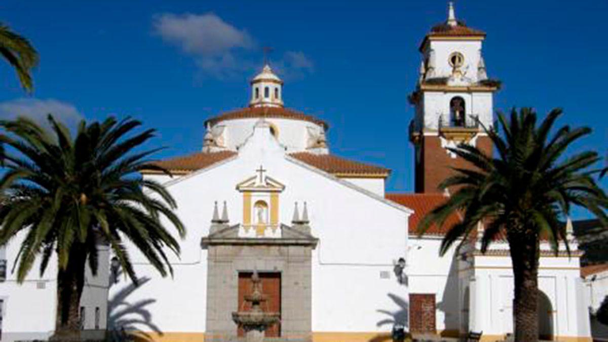 Parroquia de Nuestra Señora del Rosario, en Los Blázquez, objeto de los robos.