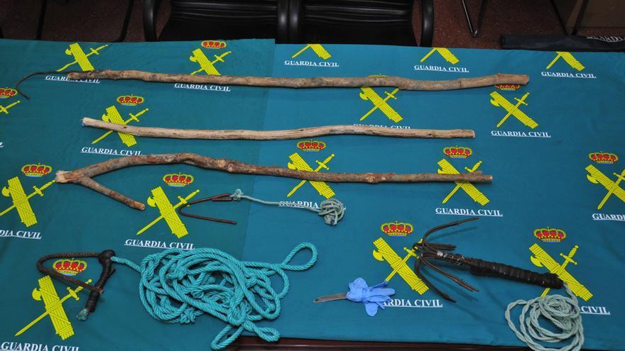 Objetos incautados por la Guardia Civil a los inmigrantes./ Delegación del Gobierno en Melilla.