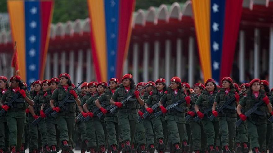 """Jefe militar dice que Venezuela """"está en completa calma"""" en la víspera de los comicios"""