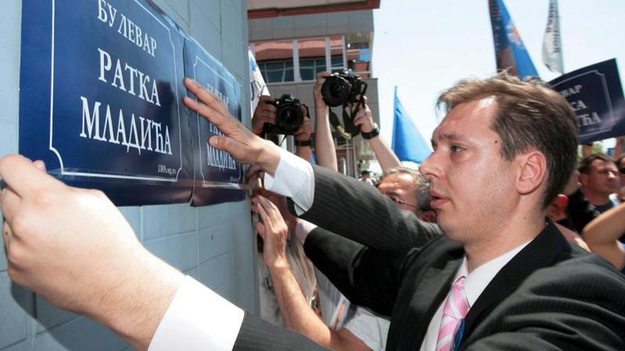 El principal partido del Gobierno serbio aprueba adelantar las elecciones