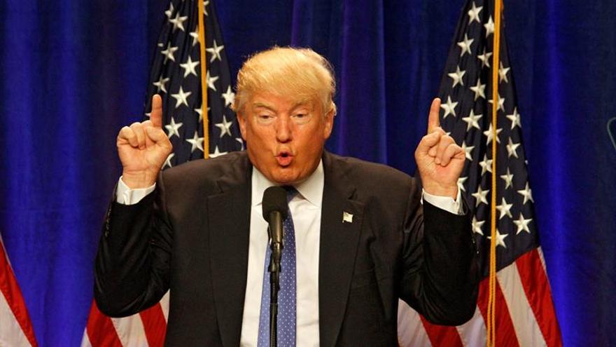 Trump amaga con invitar al debate a una supuesta examante de Bill Clinton