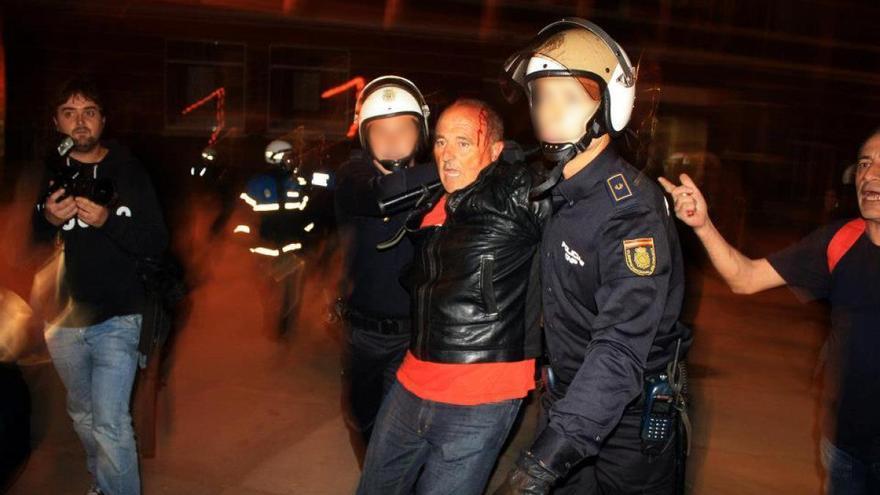 Xesús Anxo López Pintos, en el momento de ser detenido por la policía